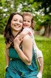 Szczęśliwa matka z dzieckiem Obrazy Royalty Free