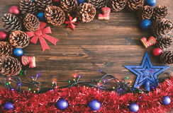 Szczęśliwa nowy rok karta z śniegiem na tle Obrazy Royalty Free