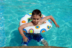 szczęśliwa pływaczka Zdjęcia Royalty Free