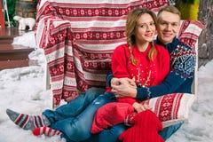 Szczęśliwa para świętuje nowego roku Fotografia Stock
