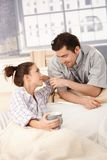 Szczęśliwa para patrzeje each tenderly inny Obraz Stock