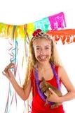 Szczęśliwa partyjnej dziewczyny szczeniaka teraźniejszości łasowania czekolada Obraz Stock