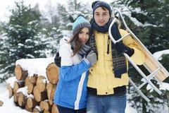 szczęśliwa pary zima Zdjęcia Royalty Free