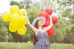 Szczęśliwa Piękna Beztroska młoda kobieta Obrazy Royalty Free