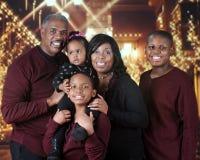 szczęśliwa rodzina świąteczne Zdjęcie Royalty Free