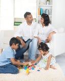 szczęśliwa rodzina hindusów obraz stock
