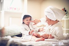 szczęśliwa rodzina Matka i córka fotografia royalty free