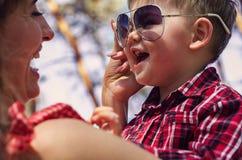 Szczęśliwa rodzina outdoors Fotografia Stock