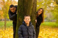 szczęśliwa rodzina park Obrazy Stock