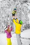 Szczęśliwa rodzina podczas zima wakacji Zdjęcia Stock