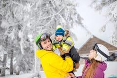 Szczęśliwa rodzina podczas zima wakacji Obraz Stock
