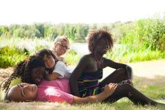 Szczęśliwa rodzina w lecie Obraz Royalty Free