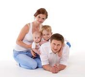 Szczęśliwa rodzina z dwa dziećmi Obraz Royalty Free