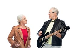 Szczęśliwa starsza para z gitarą elektryczną Fotografia Stock