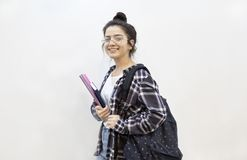 Szczęśliwa studencka edukacja z powrotem szkoły pojęcie obraz royalty free