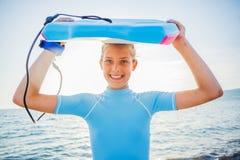 Szczęśliwa surfing dziewczyna Fotografia Royalty Free