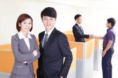Szczęśliwa uśmiechnięta biznes drużyna zdjęcie royalty free