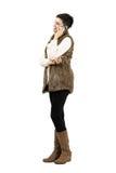 Szczęśliwa uśmiechnięta kobieta opowiada na mobilnym mądrze telefonie Obraz Royalty Free