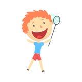 Szczęśliwa uśmiechnięta kreskówki rudzielec chłopiec bawić się z motylią siecią, dzieciaki plenerowa aktywność, kolorowy charakte Obrazy Royalty Free
