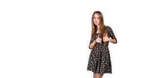 Szczęśliwa uśmiechnięta młoda dama z ok ręka znakiem Fotografia Royalty Free
