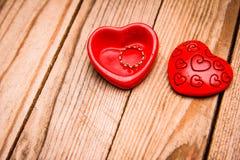 Szczęśliwa walentynka dnia wakacyjna miłość i męski krawat obramiamy tło zdjęcia stock