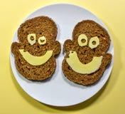 Szczęśliwa zdrowa kanapka z smiley twarzą Zdjęcie Royalty Free