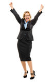 Szczęśliwe dojrzałe biznesowej kobiety ręki up odizolowywać na białym tle Fotografia Royalty Free