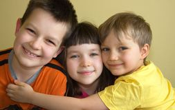 szczęśliwe dzieci trzy Zdjęcia Royalty Free
