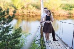 szczęśliwe młode pary fotografia stock