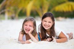 Szczęśliwe małe dziewczynki obrazy royalty free
