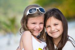Szczęśliwe małe dziewczynki zdjęcia royalty free