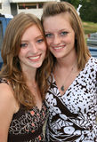 szczęśliwe siostry dwóch nastolatków. Obraz Stock