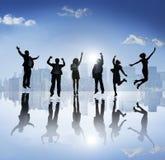 Szczęśliwe sylwetki ludzie biznesu Outdoors Zdjęcie Stock