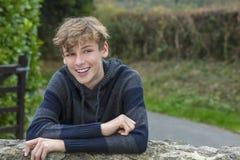 Szczęśliwego chłopiec nastolatka Męski dziecko Zdjęcie Stock