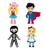 szczęśliwego halloween Śmieszni małe dzieci w kolorowych kostiumach Fotografia Stock