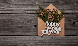 szczęśliwego nowego roku, Skład na drewnianym tle obrazy royalty free