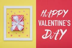 Szczęśliwego walentynki ` s dnia Pastelowy cukierek Colours tło Walentynka dnia mieszkania nieatutowy minimalny pojęcie z pięknie Fotografia Stock