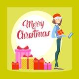 Szczęśliwej Biznesowej kobiety chwyta teraźniejszości komórki telefonu Wesoło bożych narodzeń Pudełkowaty Używa Mądrze nowy rok Obraz Stock
