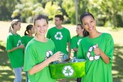 Szczęśliwi środowiskowi aktywiści w parku Obrazy Royalty Free