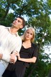 szczęśliwi atrakcyjną parą młodych fotografia stock