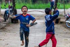 Szczęśliwi dzieci bawić się Wietnam zdjęcie royalty free