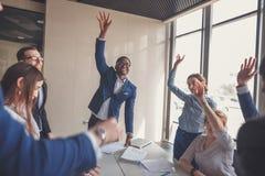 szczęśliwi grup biznesowych ludzie Obraz Stock