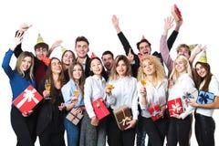 Szczęśliwi ludzie świętuje wakacje z szampanem zdjęcia stock