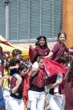 Szczęśliwi nastolatkowie przy świętem państwowym Catalonia Barcelona Fotografia Stock