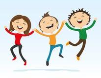 Szczęśliwi przyjaciele trzyma ręki w skoku Obrazy Stock