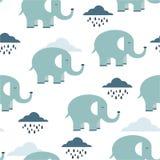 Szczęśliwi słonie, chmury, bezszwowy wzór royalty ilustracja