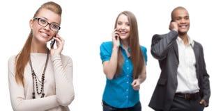 Szczęśliwi uśmiechnięci ludzie biznesu dzwoni przenośnym telefonem Zdjęcie Stock