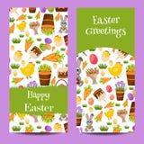 Szczęśliwi Wielkanocni sztandary ustawiający z Kolorowymi jajkami, Żółty kurczątko, krokus, tort, królika królik, marchewki, buki Fotografia Royalty Free