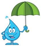 Szczęśliwy błękitne wody kropli kreskówki maskotki charakter Trzyma parasol Zdjęcie Stock