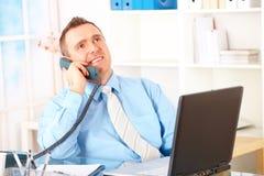 szczęśliwy biznesmena telefon zdjęcie stock